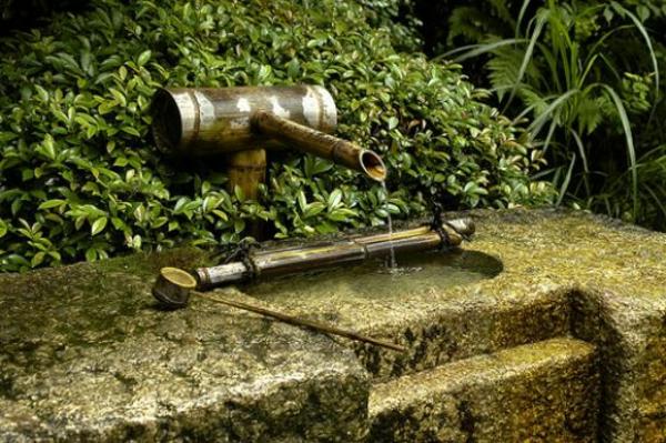 fontaine-de-jardin-design-style-japonais-idee-bambou
