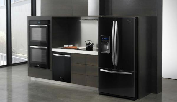 un four encastrable noir pour votre cuisine jolie et. Black Bedroom Furniture Sets. Home Design Ideas
