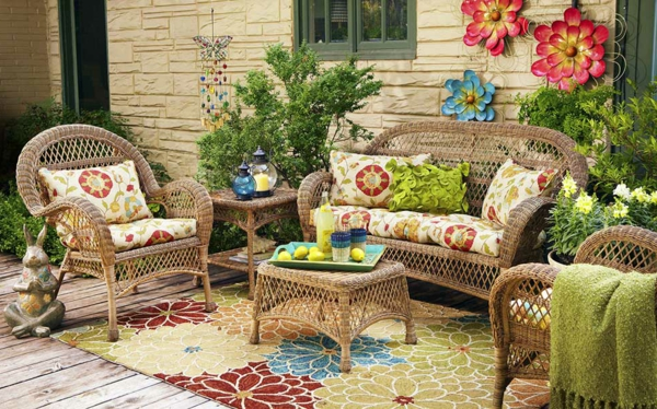 garden-decor-inspirations-with-Outdoor-Rugs