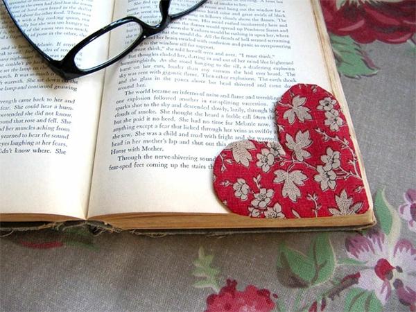 heart_shaped_bookmark-resized