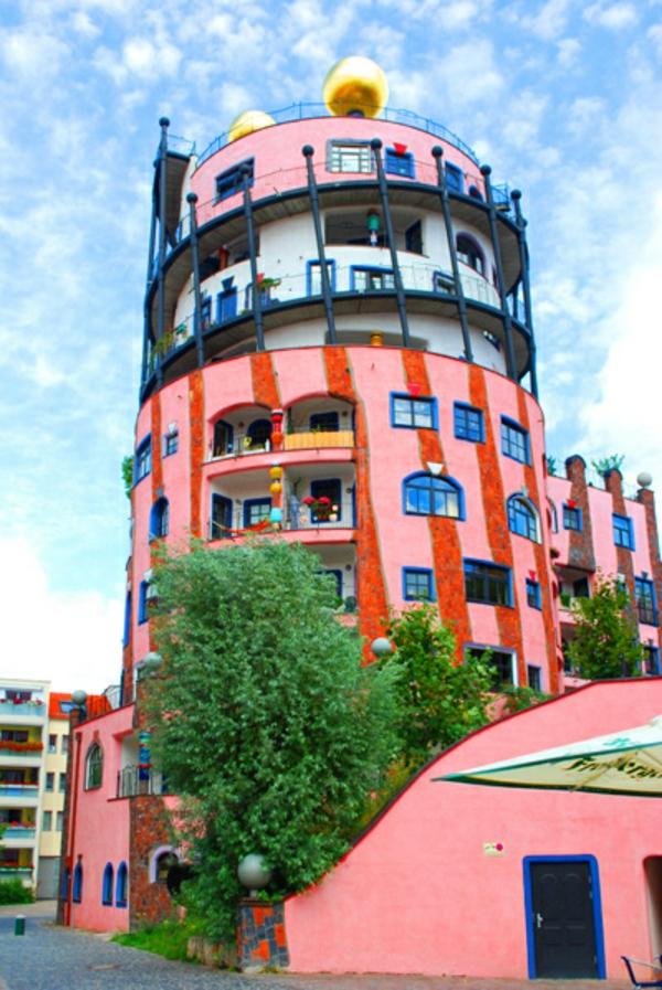 hundertwasser-architecture-la-citadelle-verte-a-magdeburg-facade-vue
