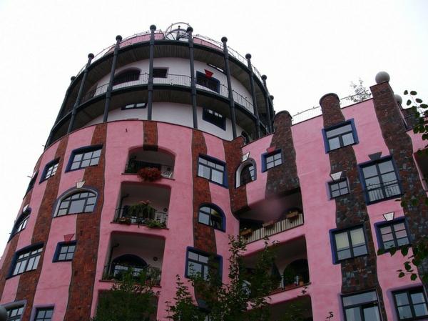 hundertwasser-architecture-la-citadelle-verte-a-magdeburg-facade