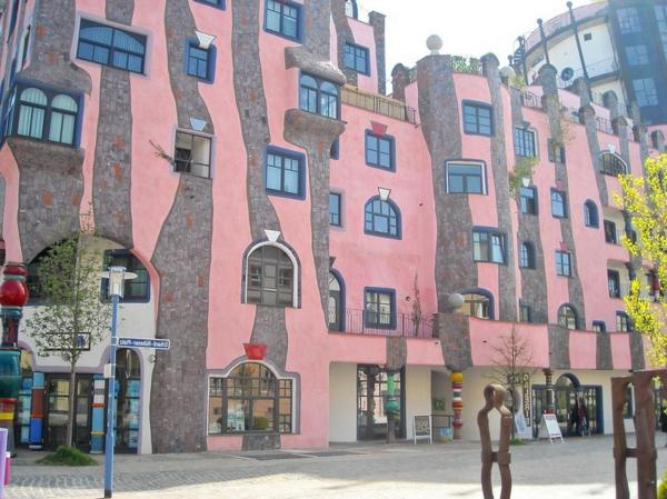 hundertwasser-architecture-la-citadelle-verte-a-magdeburg