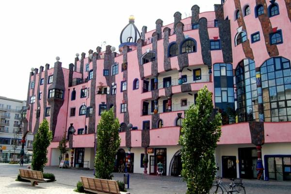 hundertwasser-architecture-magdeburg-facade-vue