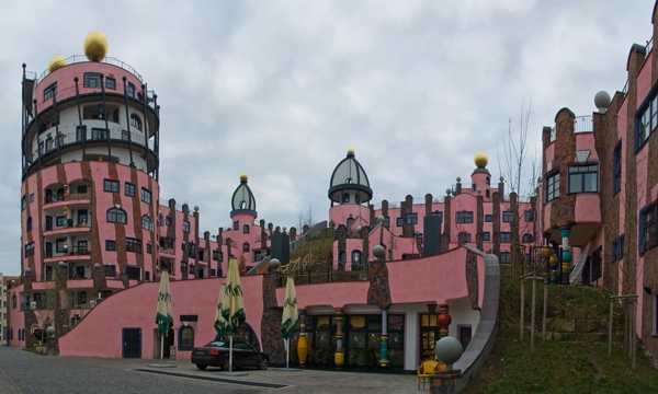 hundertwasser-architecture-magdeburg-maison-rose