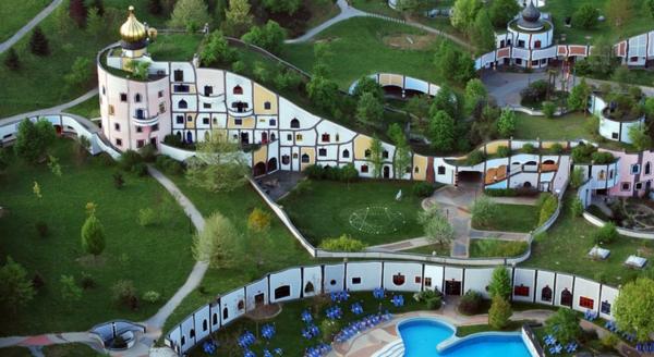 hundertwasser-architecture-resort-bad-blumau-autriche