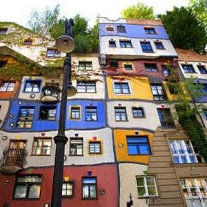 De la pure inspiration artistique - Hundertwasser architecture