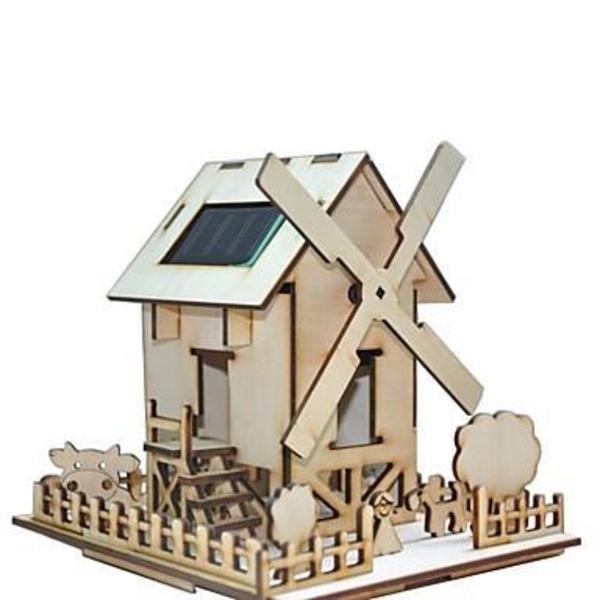 jouet-maison-en-bois-moulin-avec-vache