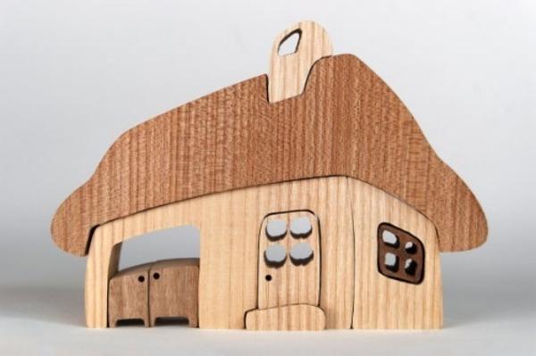jouet-maison-en-bois-nature-elements-facile