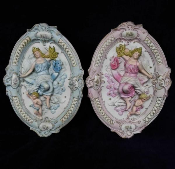la-passion-pour-la-porcelaine-deux-dames-chacune-avec-son-petit-ange