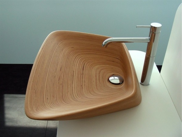 lavabo-a-forme-inhabituelle-coquille