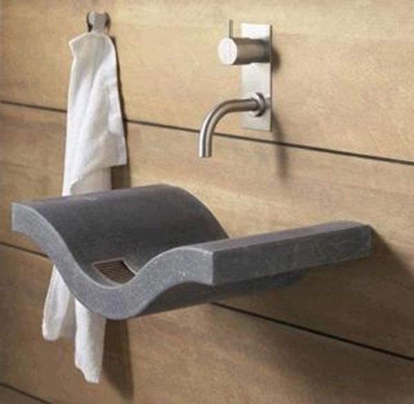 lavabo-a-forme-inhabituelle-creative-robinet-et-serviette