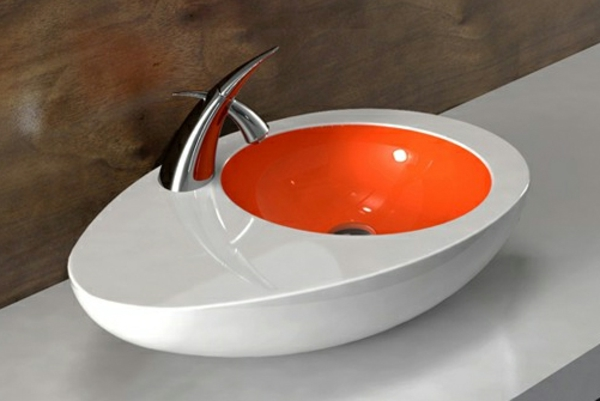 lavabo-a-forme-inhabituelle-extravagante-oeuf