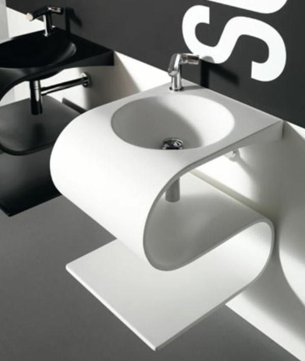 lavabo-a-forme-inhabituelle-lettre