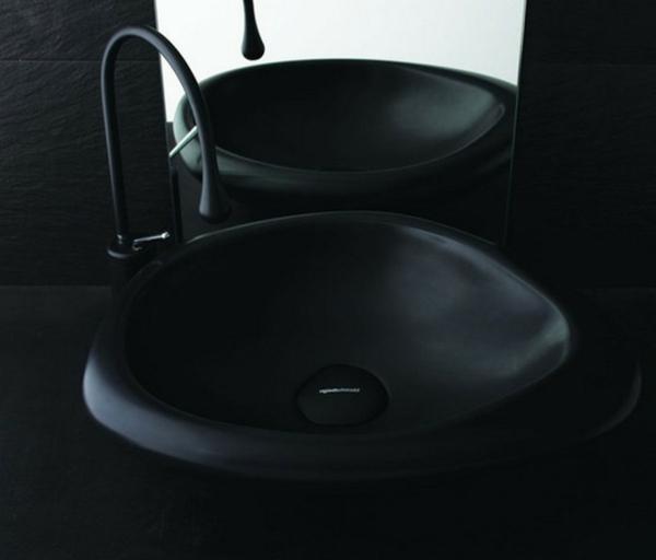 lavabo-noir-salle-de-bain-entierement-en-noir