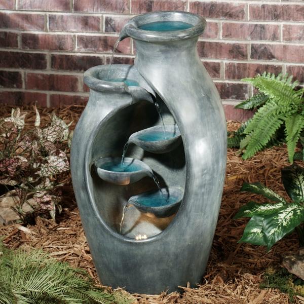 le-fontaine-d'intérieur-design-avec-débordement