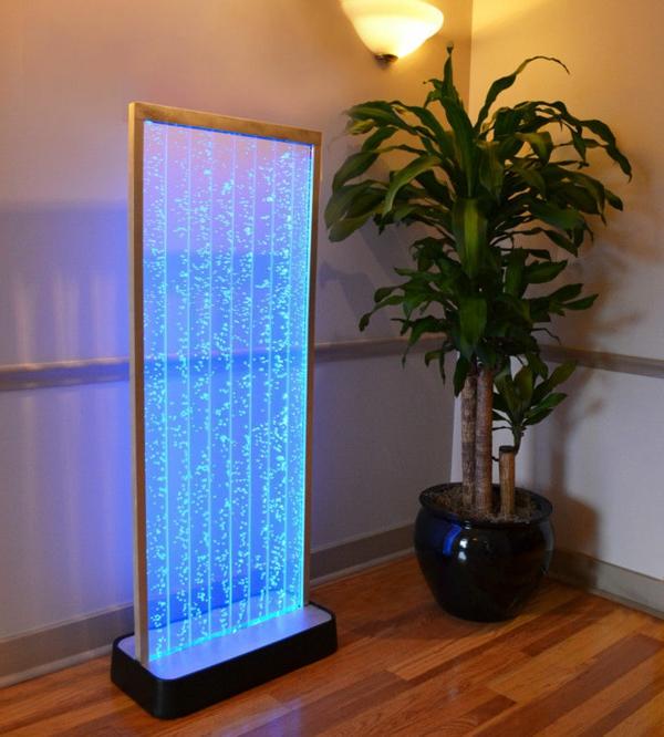le-fontaine-d'intérieur-design-bleu-miroir