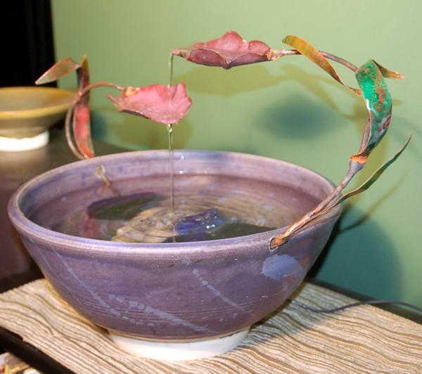 le-fontaine-d'intérieur-design-subtil-en-rose-et-lilas