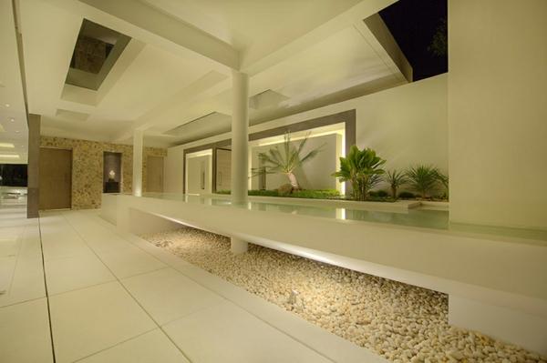 le-gravier-décoratif-dans-un-intérieur-luxueux