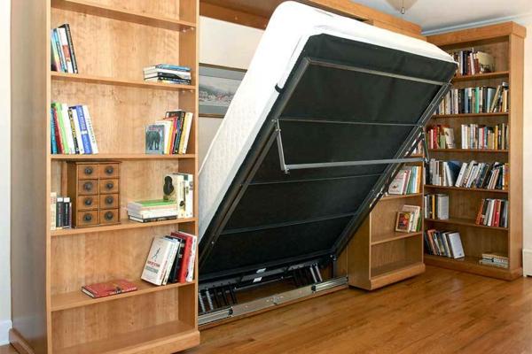 lit-rabattable-et-une-bibliothèque