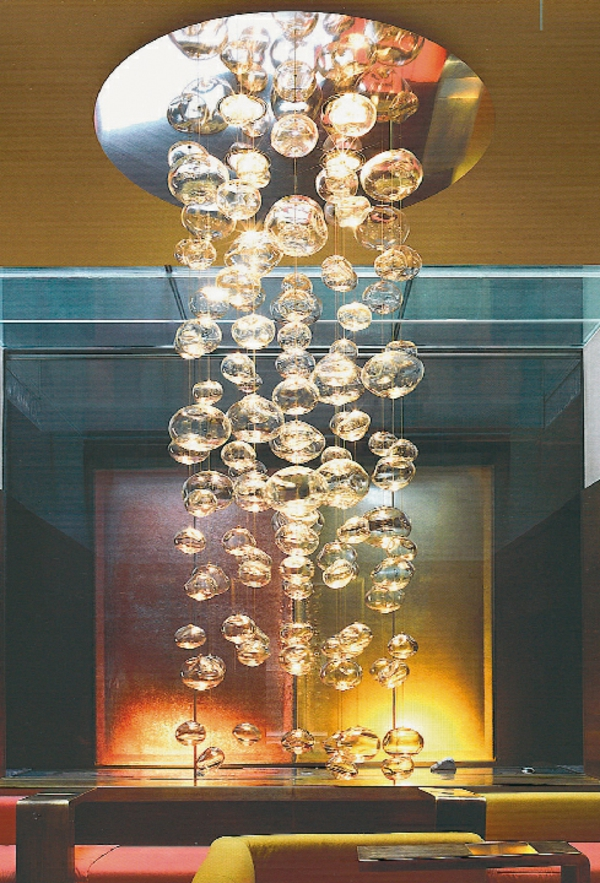 luminaire-suspendu-boules-transparentes