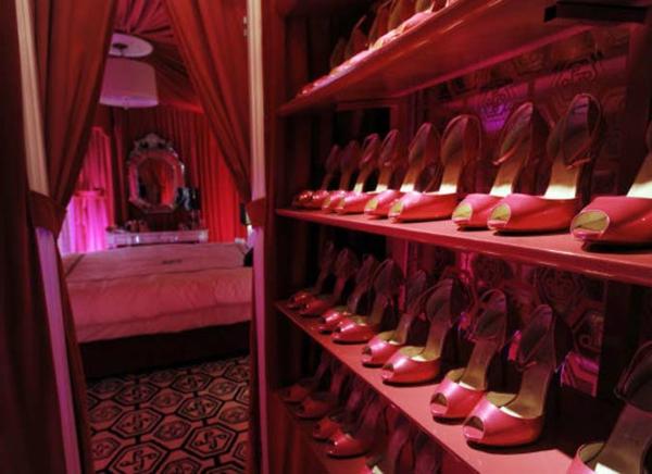 meuble-chaussure-design-en-rose
