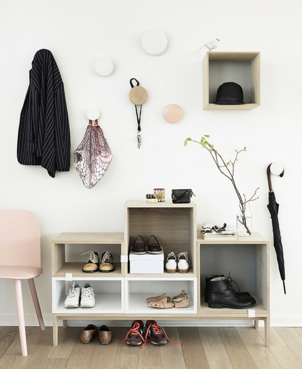 le meuble chaussure design organise de petites expositions. Black Bedroom Furniture Sets. Home Design Ideas