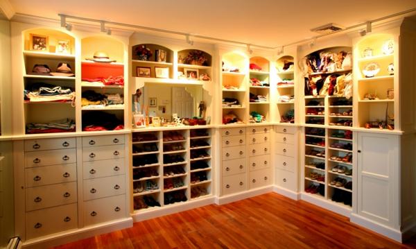 rangement chaussure garde robe