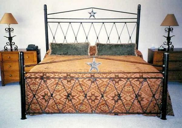 meuble-en-acier-un-lit-en-acier-noir