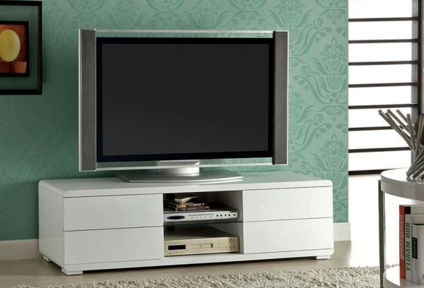 meuble-tv-laqué-blanc-et-un-mur-vert