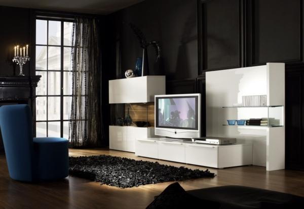 meuble-tv-laqué-blanc-dans-une-chambre-noire