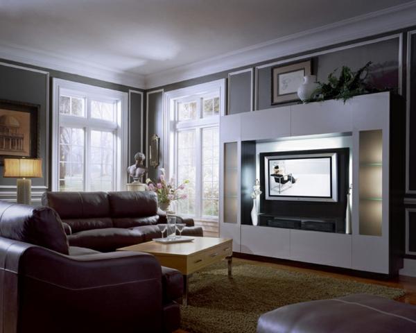 meuble-tv-laqué-blanc-et-des-canapés-de-cuir