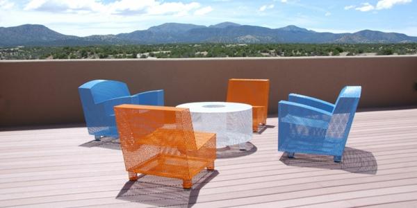 mobilier-de-design-contemporain-d'acier-coloré-très-léger