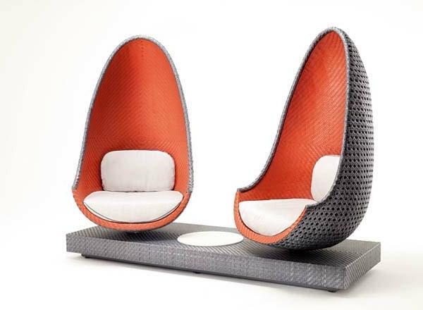 mobilier-de-design-contemporain-des-chaises-en-formes-comme-des-oeufs