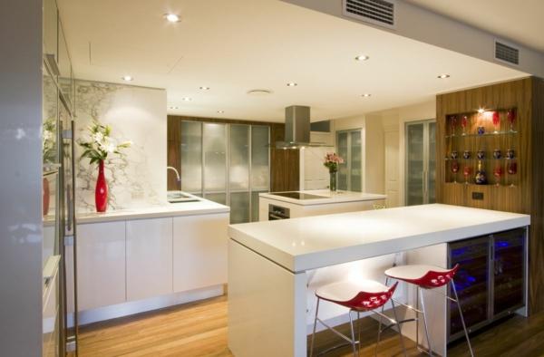 meuble-design-scandinave-une-cuisine-avec-un-bar