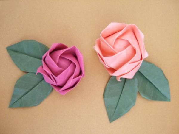 origami-facile-fleur-un-jeu-amusant-deux-roses