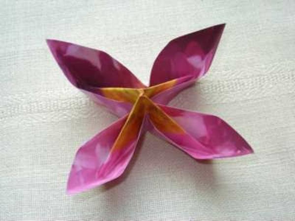 origami-facile-fleur-un-jeu-amusant-lotus