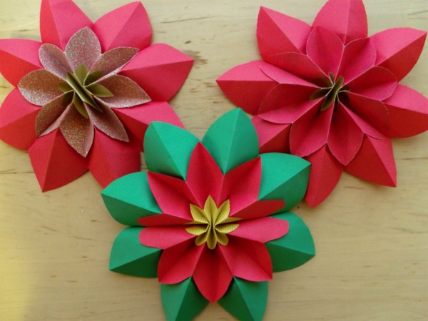 origami-facile-fleur-un-jeu-amusant-poinsettia