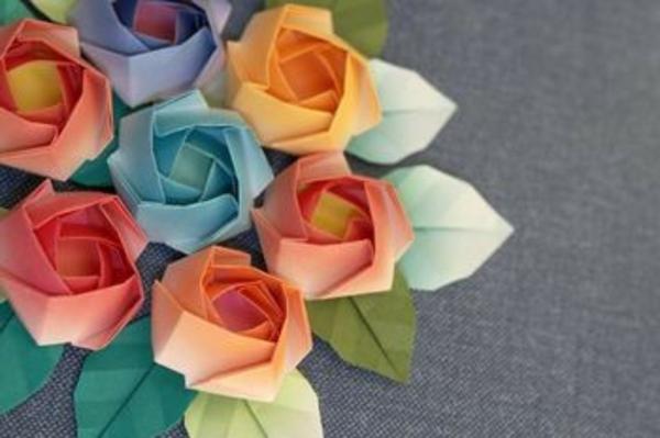 origami-facile-fleur-un-jeu-amusant-roses-papiers-origami