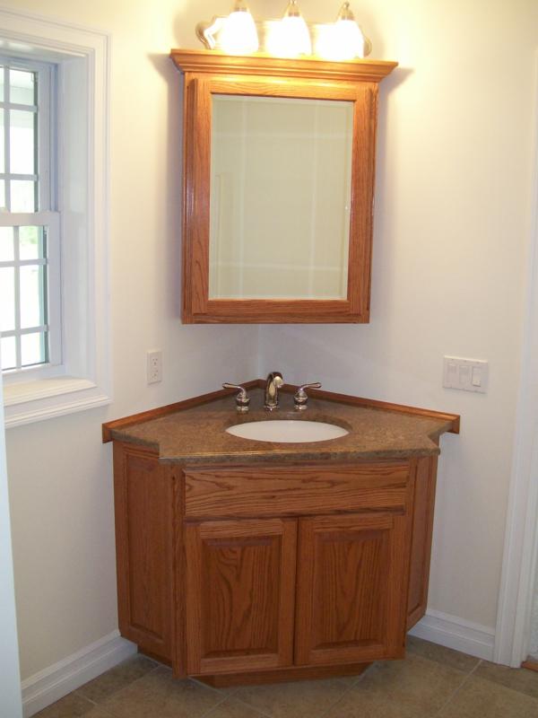 armoire-de-salle-de-bain-avec-armoire-un-joli-coin