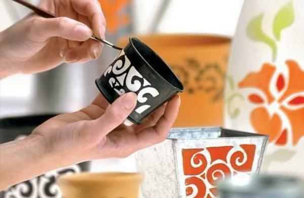 peinture-sur-ceramique-creative-amusante-boite-ronde