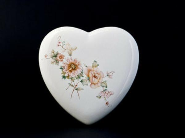peinture-sur-ceramique-creative-amusante-coeur
