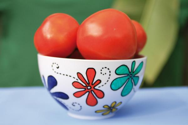 peinture-sur-ceramique-creative-amusante-idee-ball-tomates