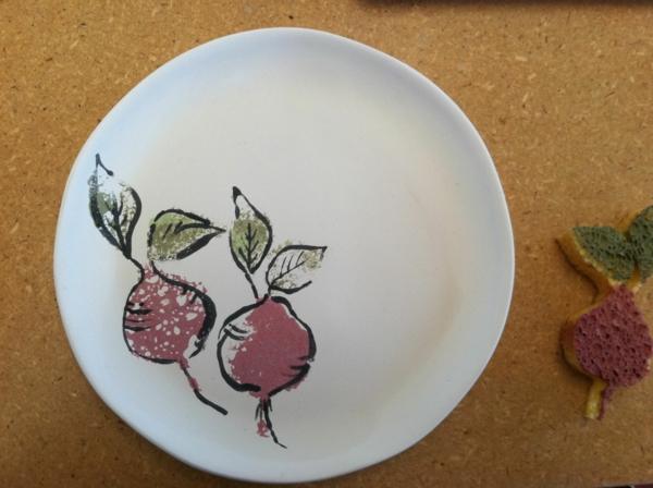 peinture-sur-ceramique-creative-amusante-idee-eponge-dessin