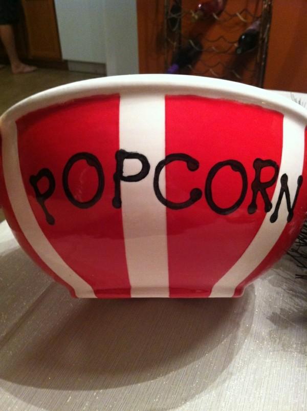 peinture-sur-ceramique-creative-amusante-idee-popcorne