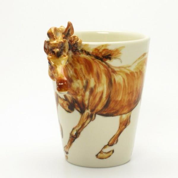 peinture-sur-ceramique-creative-amusante-mug-cheval