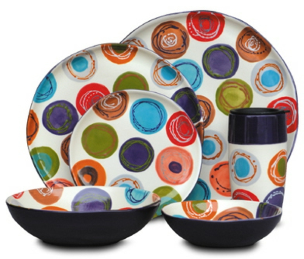 peinture-sur-ceramique-creative-assiettes-tailles-differentes