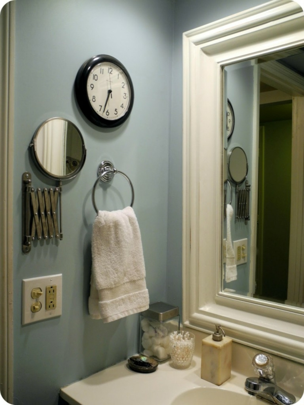 Petits miroirs ronds meilleures images d 39 inspiration for Miroir pour salle de bain