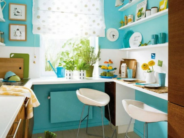 petite-cuisine-design-idee-blanc-bleu