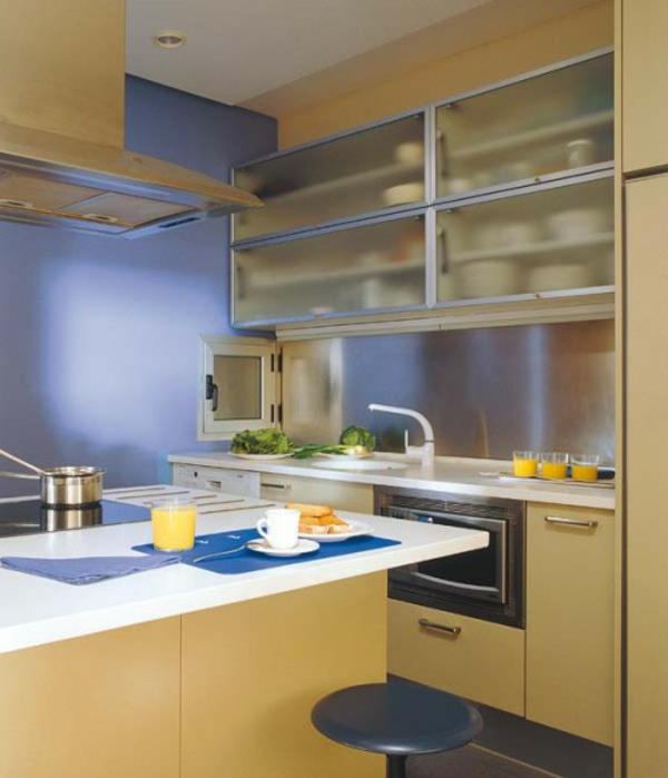 Rideaux Blanc Dans Salon : La petite cuisine design nous invite au confort et le style
